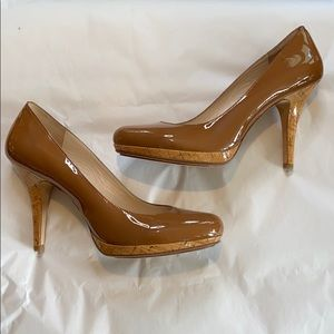 KORS CAMEL PATENT LEATHER PLATFORM CORK HEELS 11